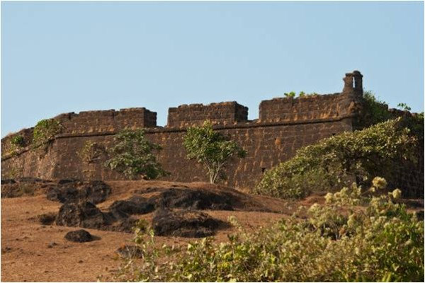 Chopra-fort-main-600x400